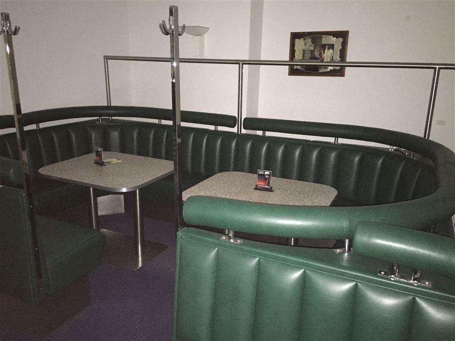 diner m bel dinerb nke diner barhocker tische gastrom. Black Bedroom Furniture Sets. Home Design Ideas