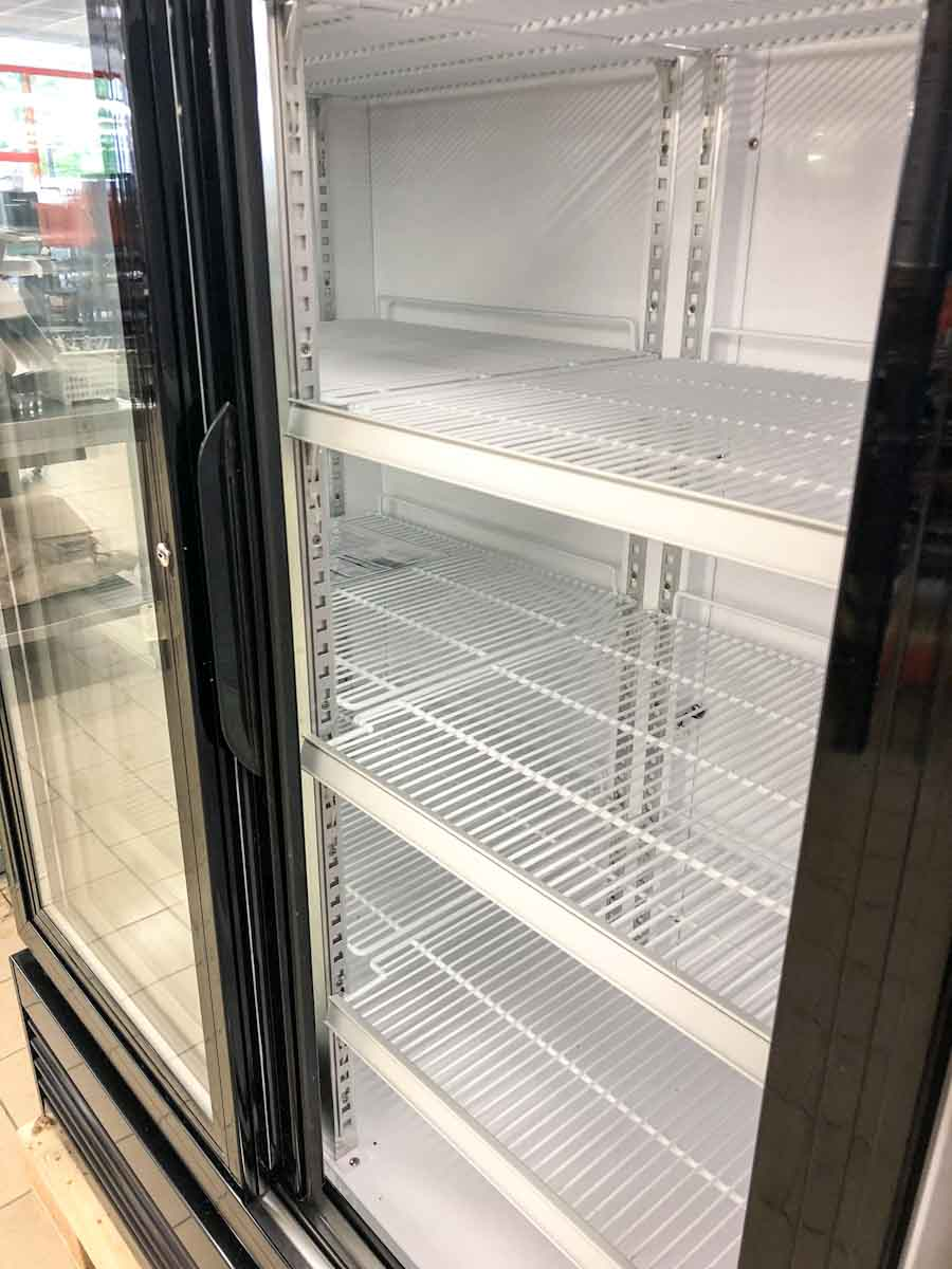 Flaschenkühlschrank von innen